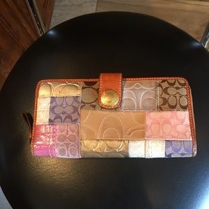 Authentic Coach wallet Use